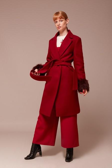 Abrigo Rojo Kling