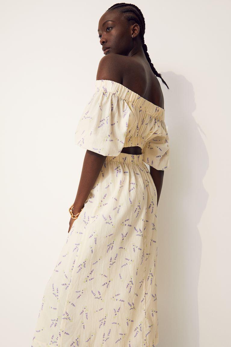 Vestido cut-out con hombros descubiertos de H&M