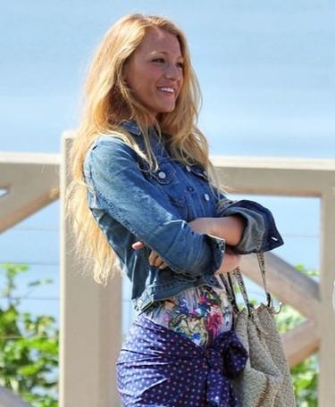 Blake Lively se va a la playa en 'Gossip Girl' y Penélope Cruz al programa de Jimmy Kimmel