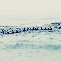Así logró una cadena humana de 80 personas rescatar a una familia de morir ahogada