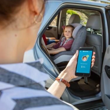 Maxi-Cosi lanza e-Safety, un cojín que convierte la silla de coche en inteligente para evitar los olvidos de bebés