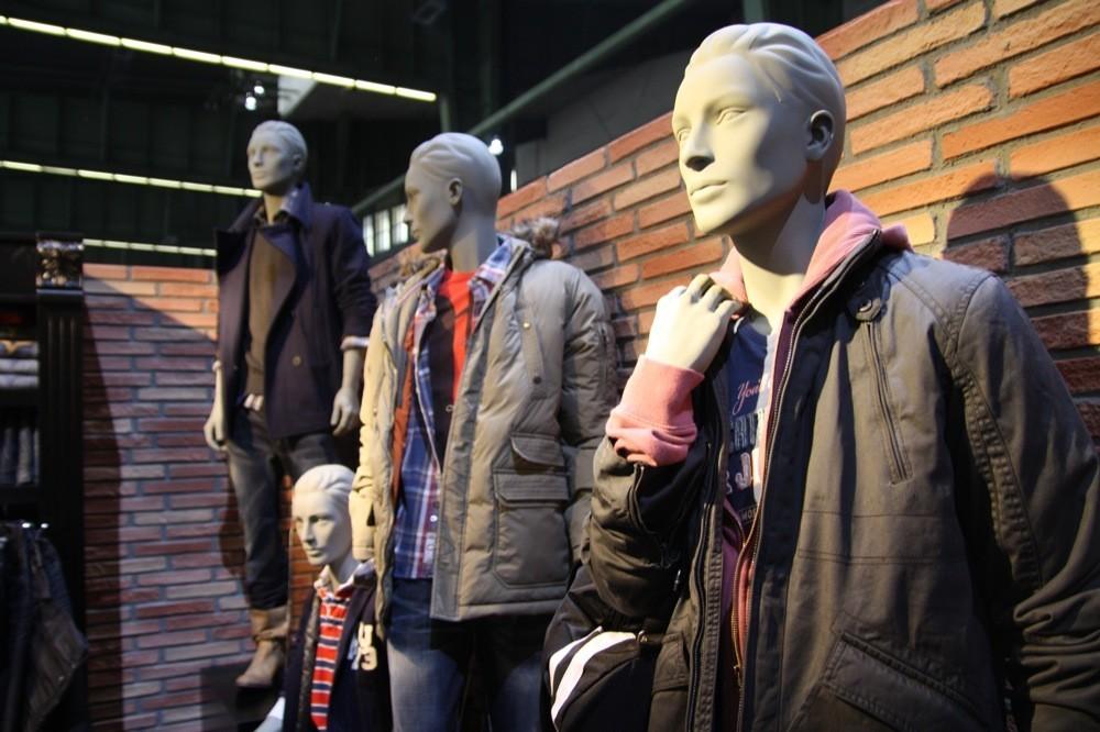 Foto de Bread & Butter Invierno 2010: Desigual, Pepe Jeans, BOSS Orange, moda denim (14/29)