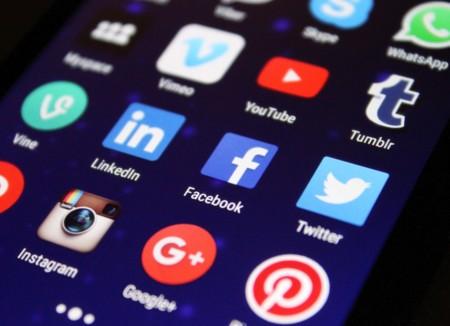 En Italia plantean que las apps sociales tengan que pagar a los operadores por el uso de sus redes