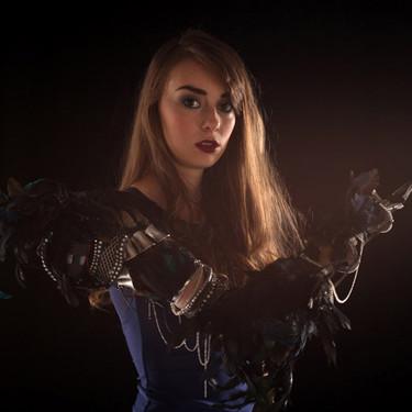 El diseño al servicio de la discapacidad: esta artista rompe tabúes con sus prótesis de fantasía
