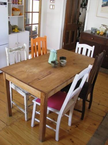 Una buena idea mezcla de sillas en el comedor - Mesas de comedor antiguas restauradas ...