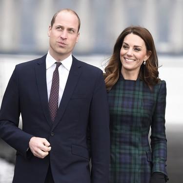 El abrigo de Alexander McQueen que consigue el look más british de Kate Middleton