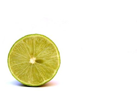 La vitamina C te ayuda a combatir el envejecimiento de la piel