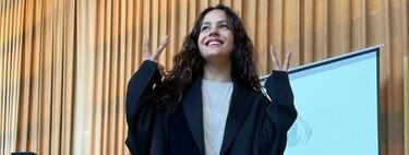 """Rosalía es la profe más molona de ESMUC con traje working y deportivas: """"no hay músicas superiores a otras, para mí eso es como ser clasista"""""""