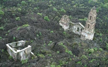 Ruinas De San Juan Parangaricutiro