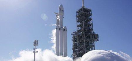 Tras años de retraso el Falcon Heavy de SpaceX enciende por primera vez sus motores