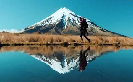 Trekking junto al volcán Taranaki en Nueva Zelanda