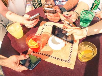 Cómo conseguir estar menos pendiente del móvil según lo enganchado que estés
