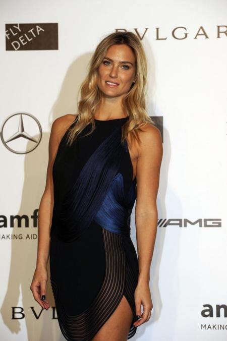 Pase de modelos en la Gala amfAR Milano 2014