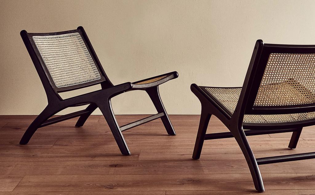 Zara Home da los primeros pasos hacia el diseño de mobiliario con esta preciosa silla de estilo midcentury