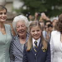 La Reina Letizia se convierte en la protagonista de la comunión de la Infanta Sofía, el verde agua tiene la culpa