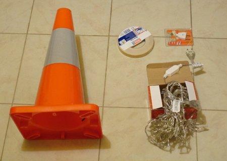 Hazlo tú mismo: una lámpara con un cono de tráfico