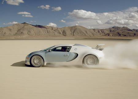 Bugatti Veyron 2005 1600 0e