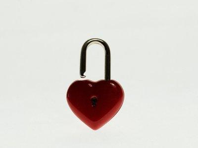 ¿Sabes cómo funcionan las relaciones abiertas? Nos cuentan en primera persona cómo es tener una