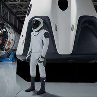 SpaceX comenzará a llevar turistas al espacio con su cápsula Dragon a partir de 2021