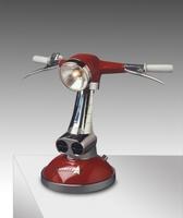 Lámparas diseñadas con piezas de scooter