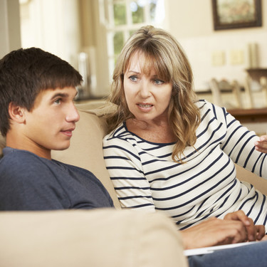 Cómo gestionar las discusiones con tu hijo adolescente, y no morir en el intento