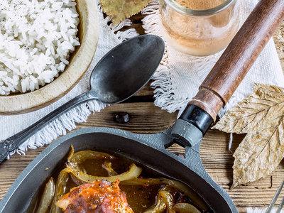 Pechugas de pollo rellenas de pimiento. Receta fácil y saludable