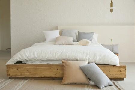 Vestimos nuestra cama de verano: sábanas, colchas y edredones de diseños frescos para dormir sin pasar calor