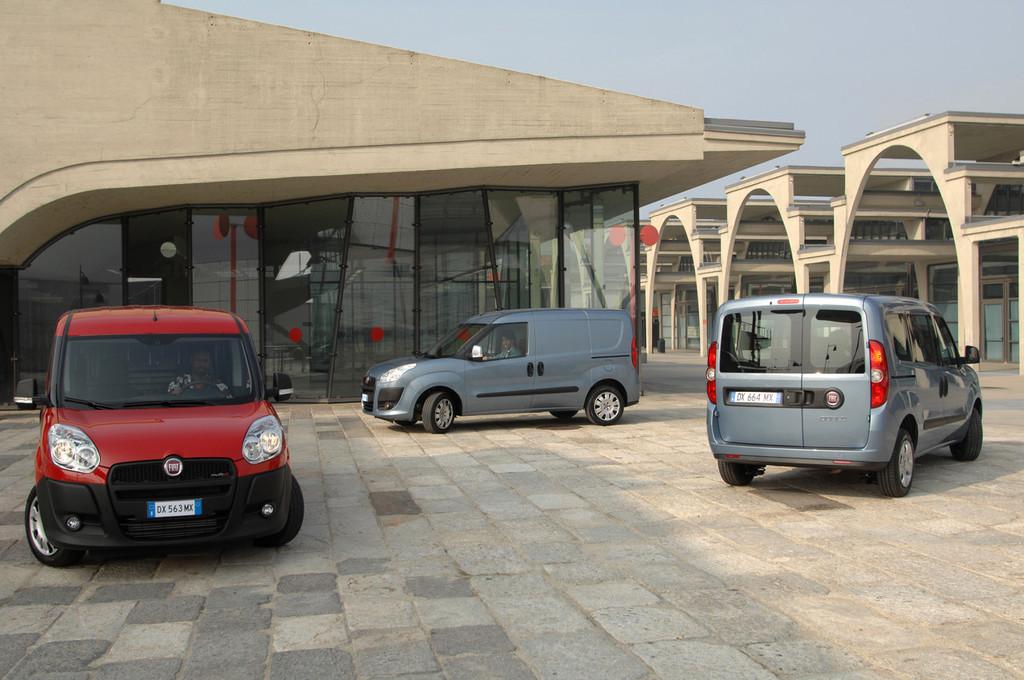 Foto de Fiat Doblò Cargo y Combi (4/32)