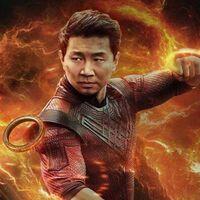 """""""No somos un experimento"""". Simu Liu arremete contra el CEO de Disney por su comentario sobre el estreno de 'Shang-Chi y la leyenda de los diez anillos'"""