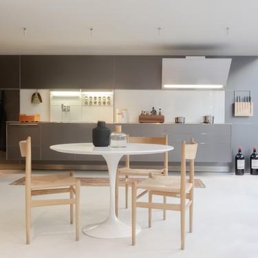 Dale un nuevo aire a tu cocina (y sin obras): cinco razones para revestirla con microcemento