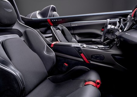 Aston Martin V12 Speedster 2021 1280 08