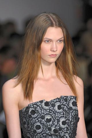 marc-by-marc-jacobs-fall-rtw-2010-beauty-016_runway.jpg