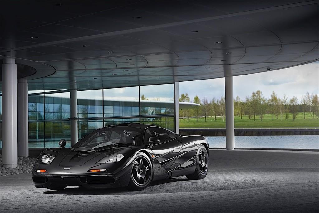 Cuando los McLaren de 10 millones de dólares necesitaban un portátil de los 90 para funcionar