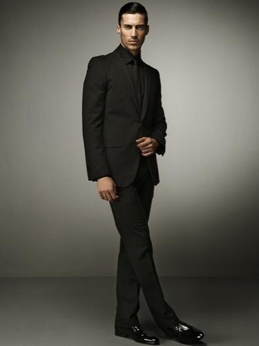 Looks para Navidad. El traje y sus numerosos estilos. Zara