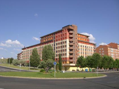 Enséñanos tu casa: el apartamento de Cris y Javi en León