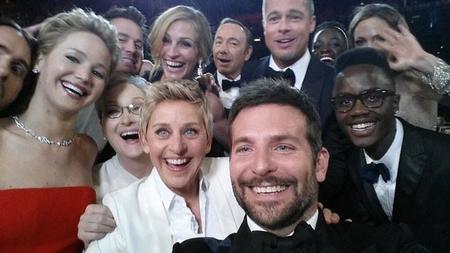 """La selfie que """"rompió"""" a Twitter y se volvió el tweet más popular de la historia"""