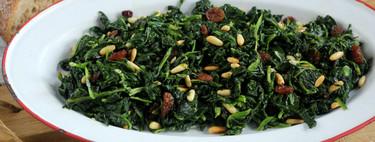Espinacas a la catalana, la receta más sencilla para una cena saludable