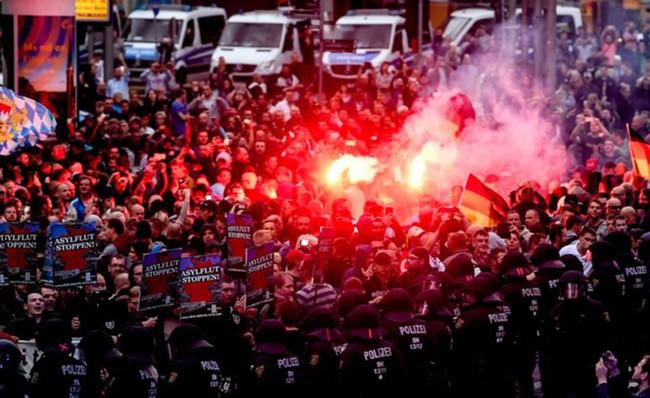 Cacerías de extranjeros a plena luz en Chemnitz: el nazismo en Alemania acaba de cruzar una nueva línea