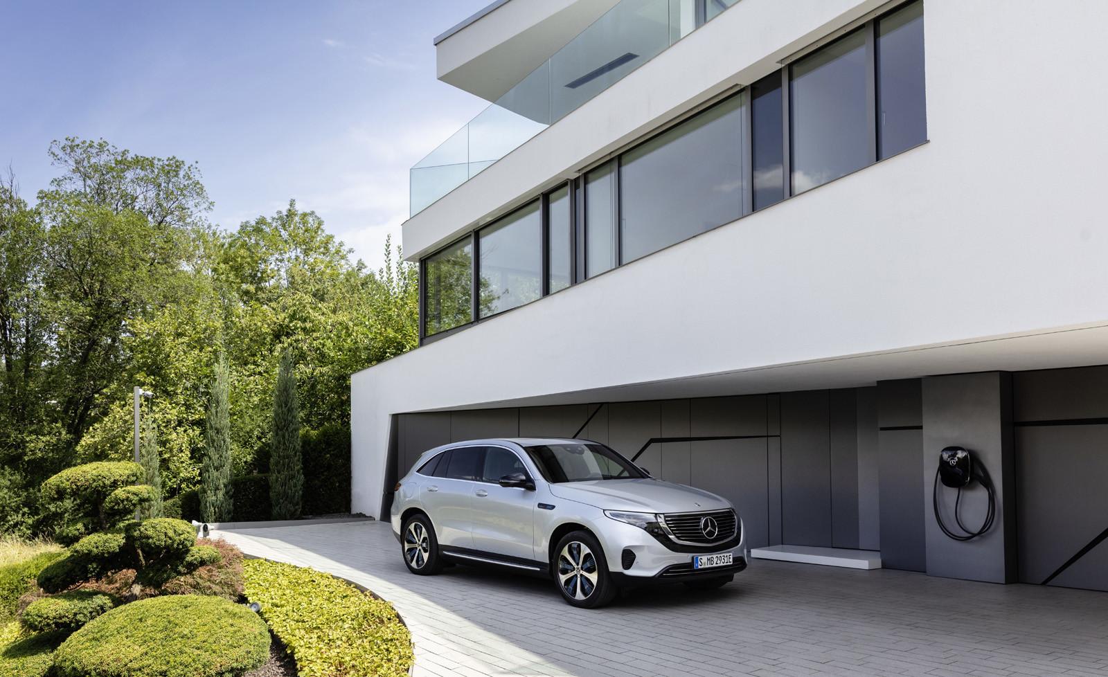 Foto de Mercedes-Benz EQC 2019 (68/74)