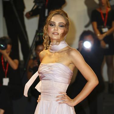 Festival de Venecia 2019: Lily-Rose Depp escoge el look millennial perfecto de Alta Costura en el sexto día de alfombra roja