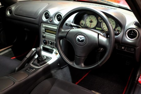 Mazda Mx 5 Roadster Coupe 6