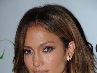 Cuando pensábamos que ni se podía enseñar más ni se podía ir más ajustada Jennifer Lopez se presenta así en su fiesta de cumpleaños