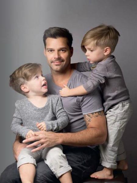 Los hijos de Ricky Martin no son monos, son los siguiente