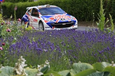 Kris Meeke mantiene su racha de victorias en el rally de Ypres