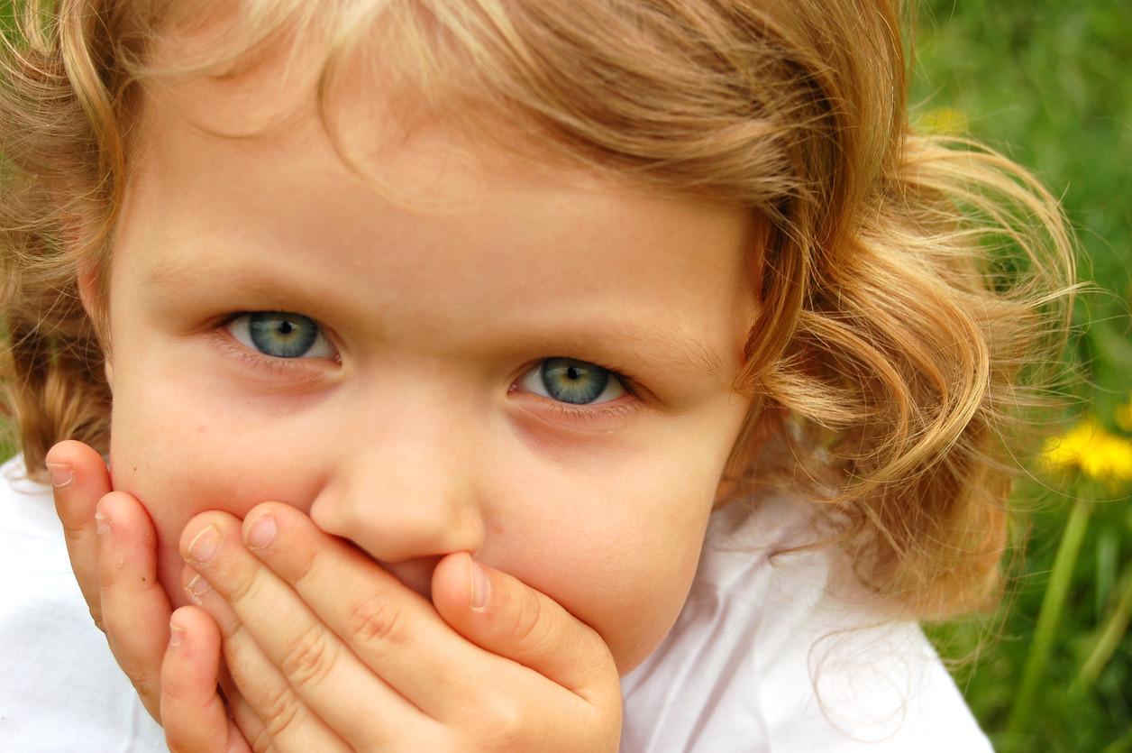 el herpes labial se contagia por besos