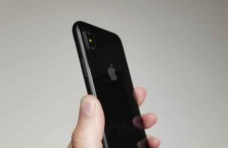 Una nueva maqueta del iPhone 8 confirma varios de los rumores que conocemos hasta ahora: así podría ser la versión definitiva