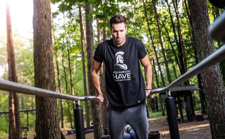 ¿Entrenamiento con pesas o con tu propio peso corporal? Esto es lo que puedes esperar de cada uno de ellos