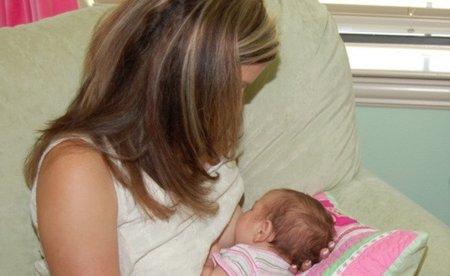 Baja a una enfermera por riesgo a la lactancia