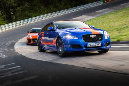 Jaguar estrena un F-Type SVR y un XJR575 como Ring Taxis en Nürburgring Nordschleife