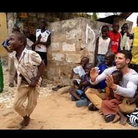 Miguel Ángel Silvestre vuelve a regalar sonrisas en Senegal